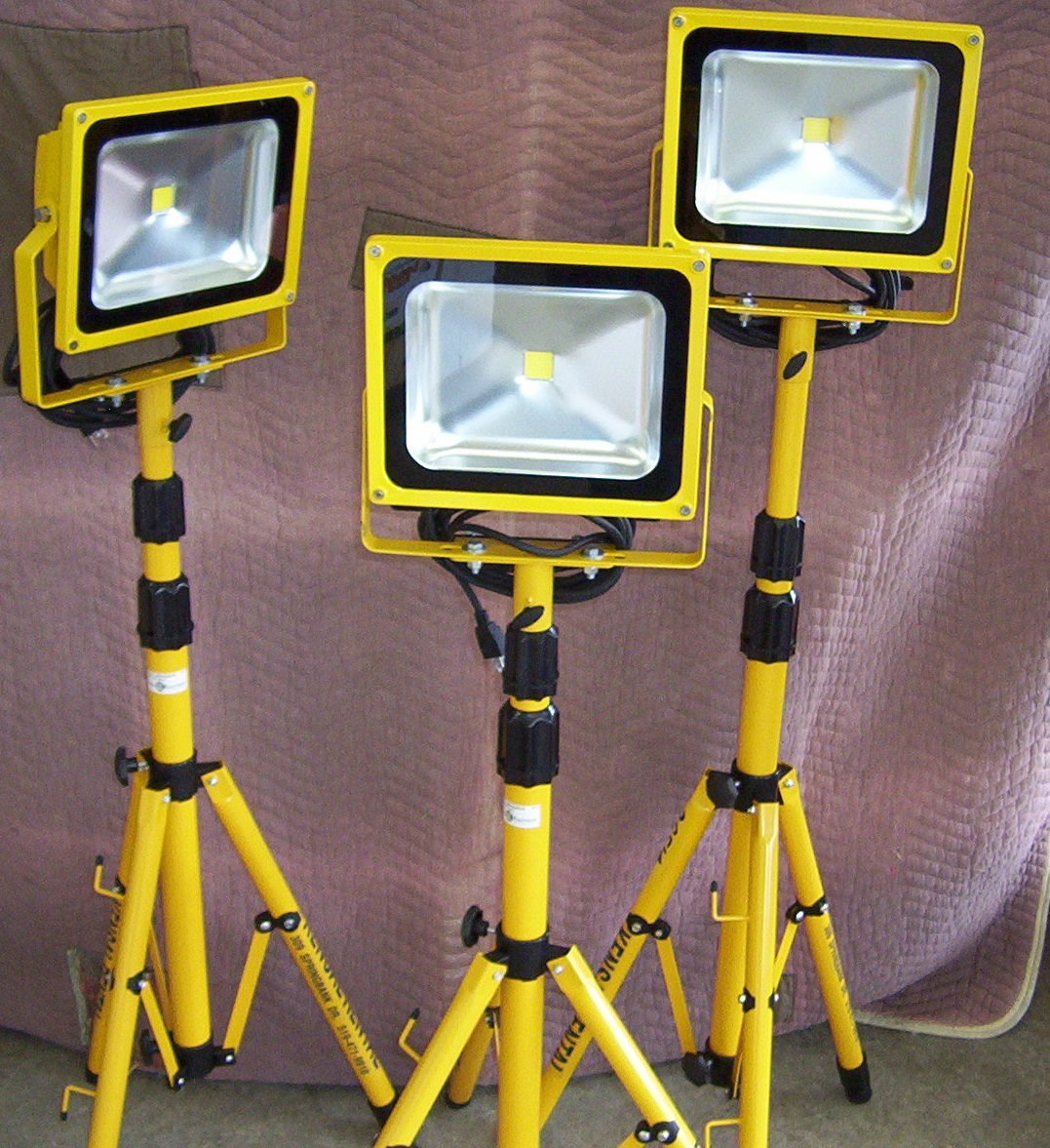 Floodlights - 500 watt Telescopic to 8' (Price for each)