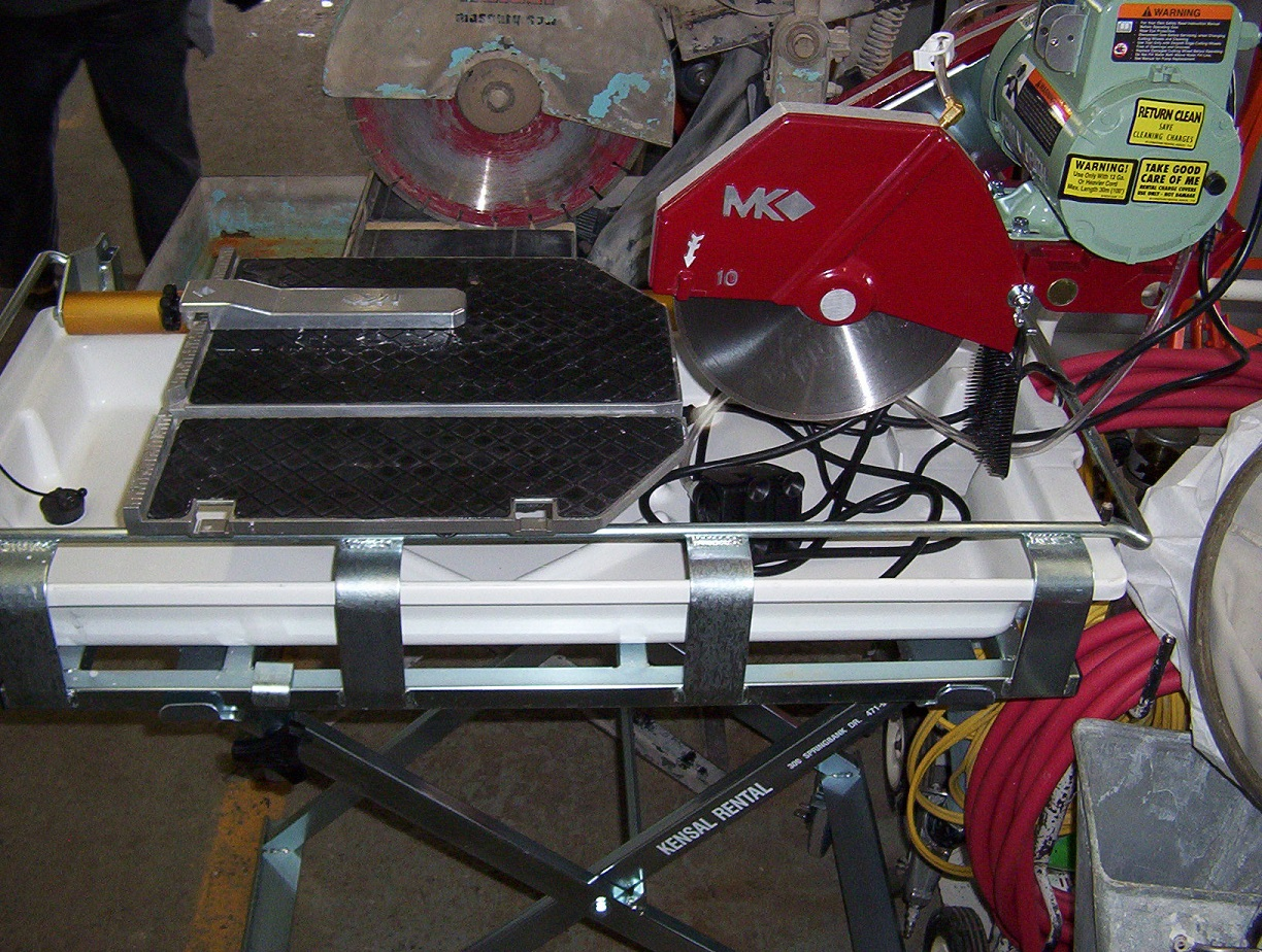 "Tile Saw ( Large Table ) (Up to 24"")"